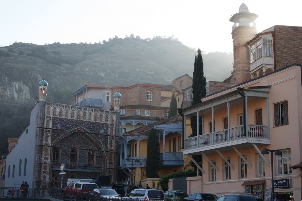 Старый город, серные бани и мечеть