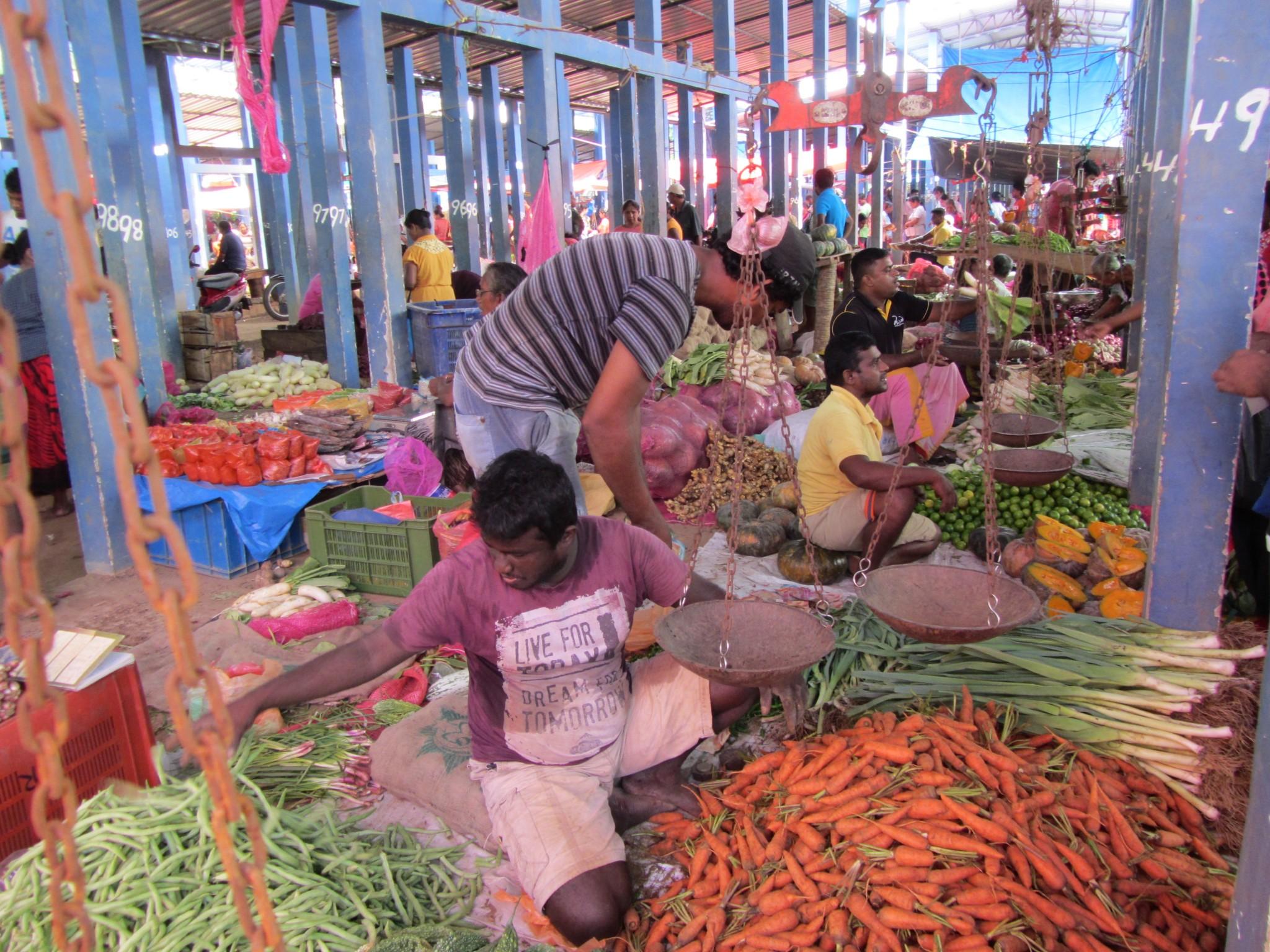 sanday-market-na-ceylone