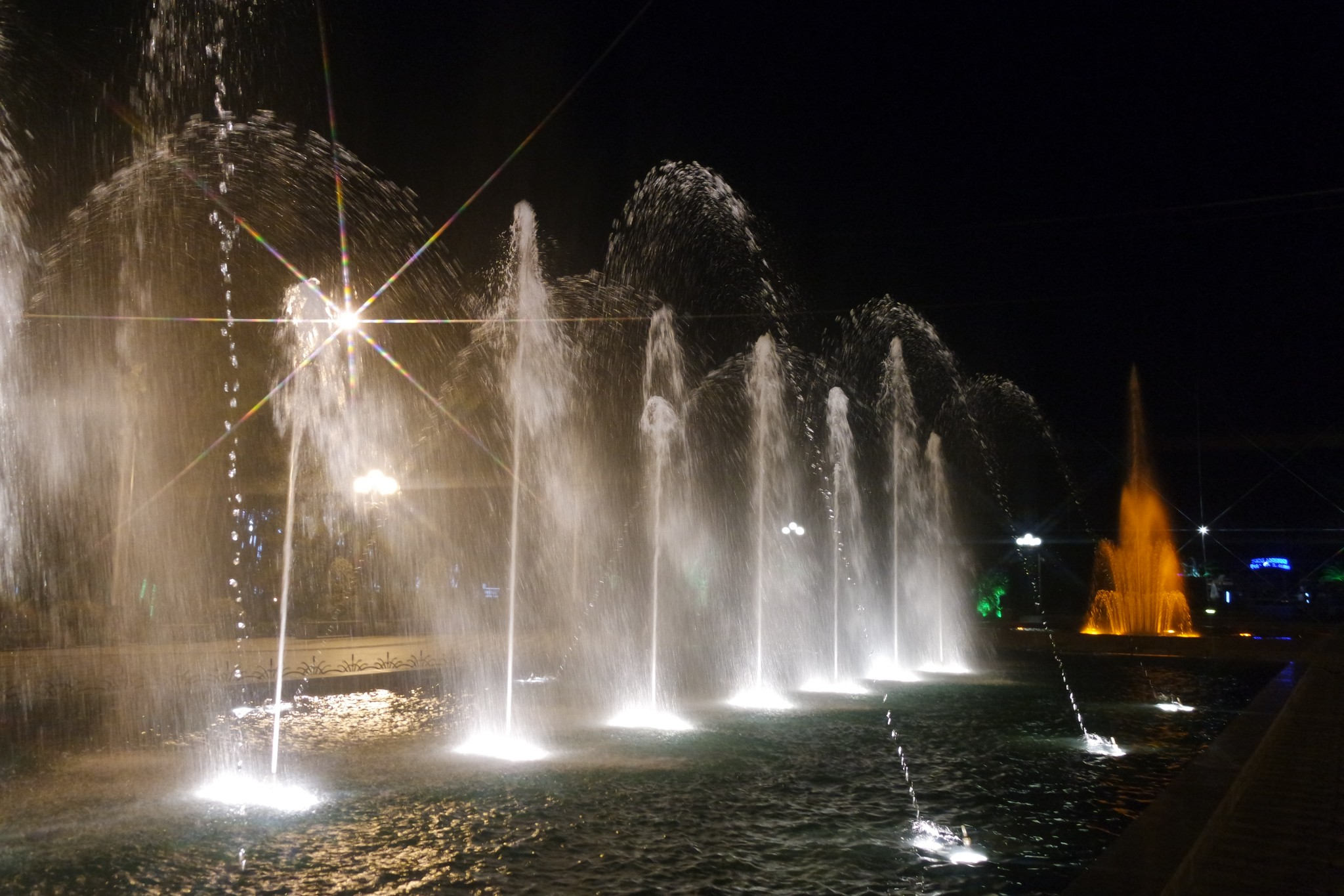 batumskie-tuncuyuschie-fontani