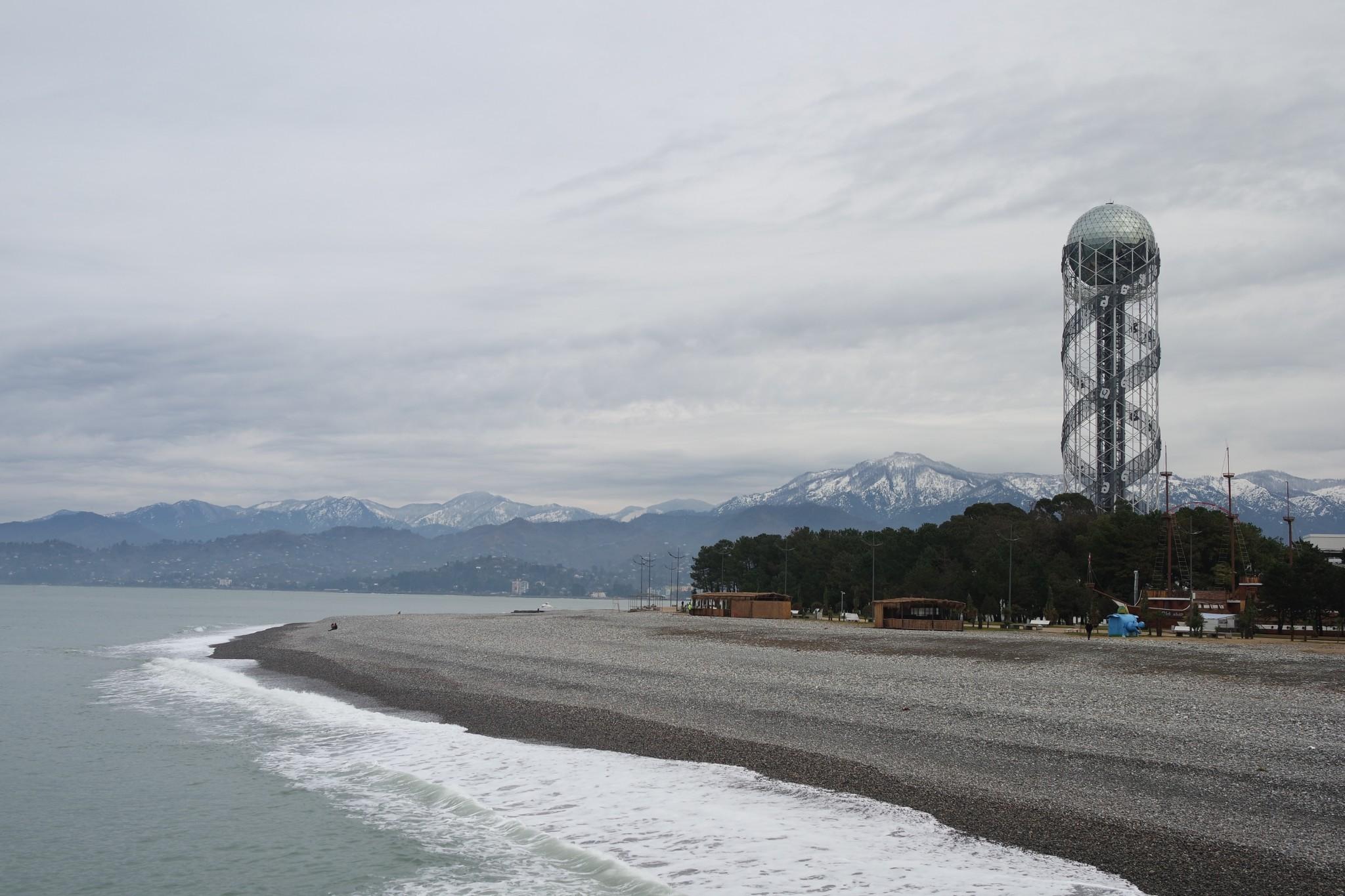 plazh-batumi-zimoy
