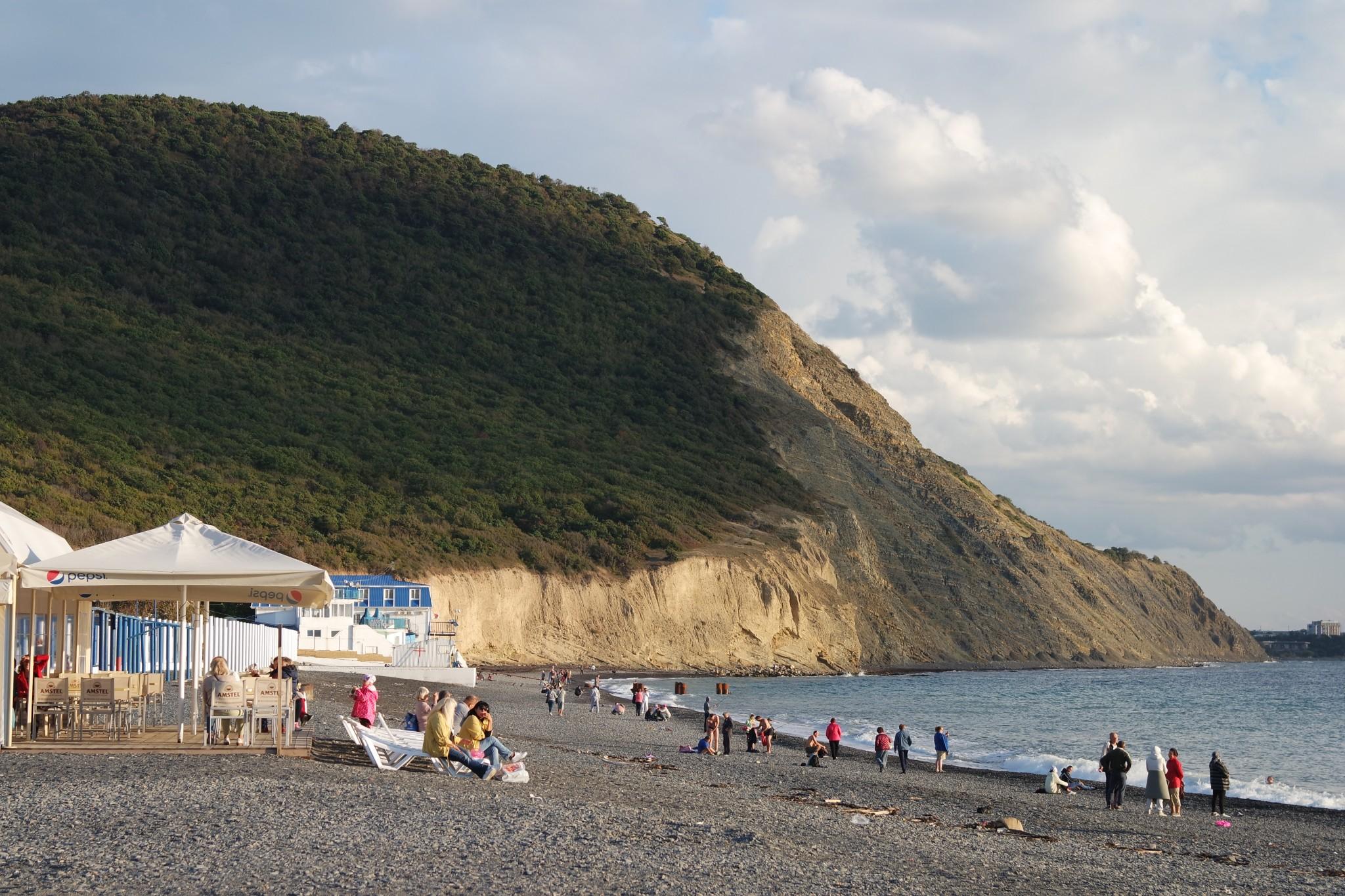 gori-i-plazh-v-sukko