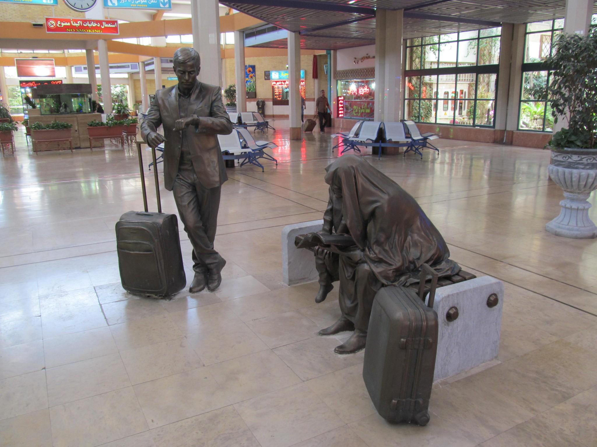 skulptura-vokzal-iran