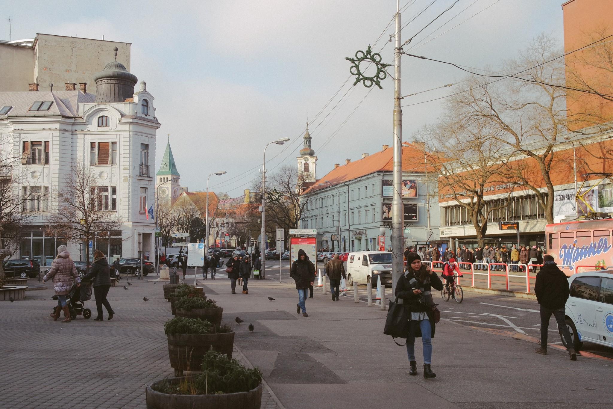 bratislava-namestie-snp
