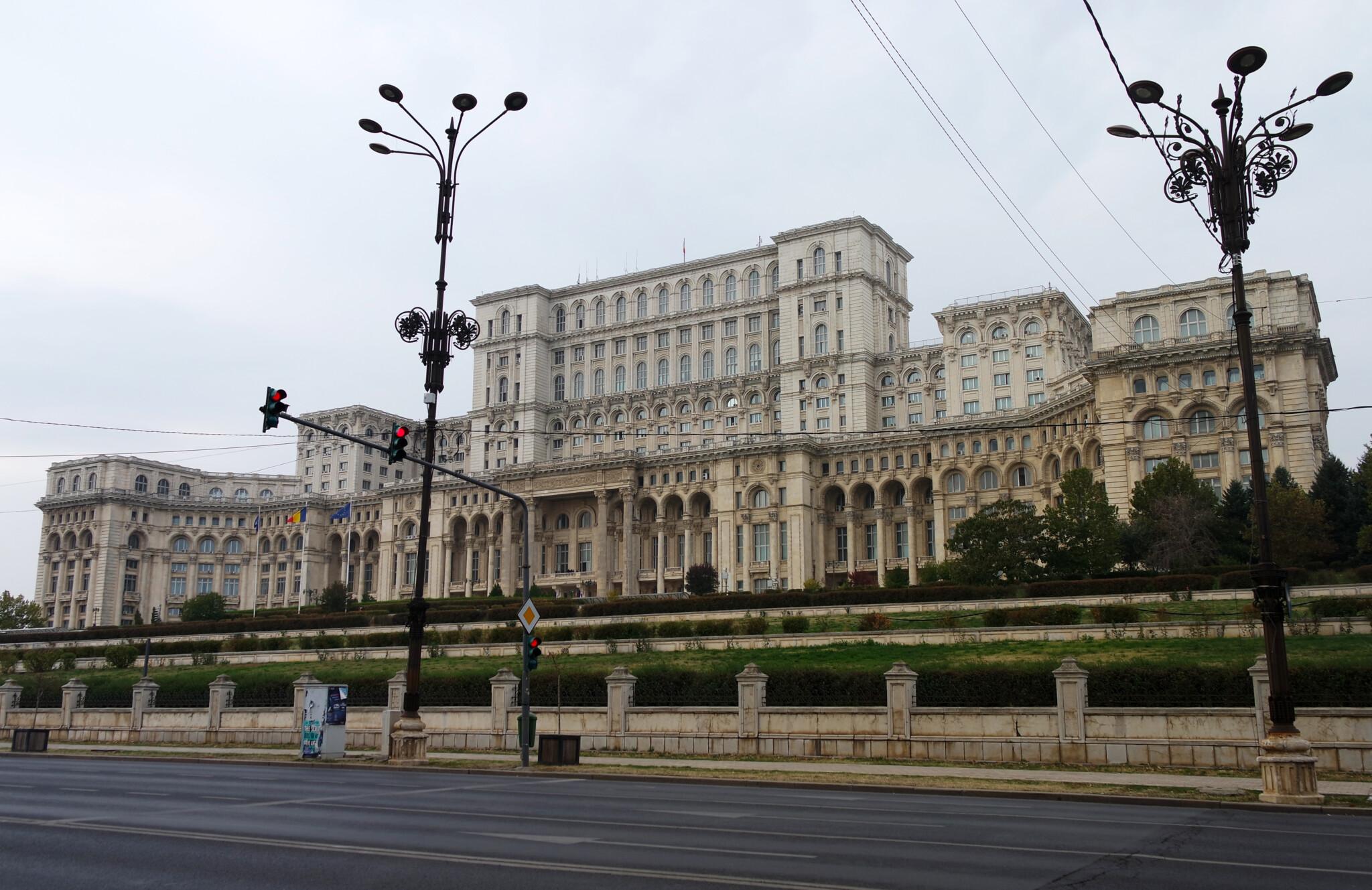 Дворец Парламента в Бухаресте – тяжелейшая административная постройка в мире