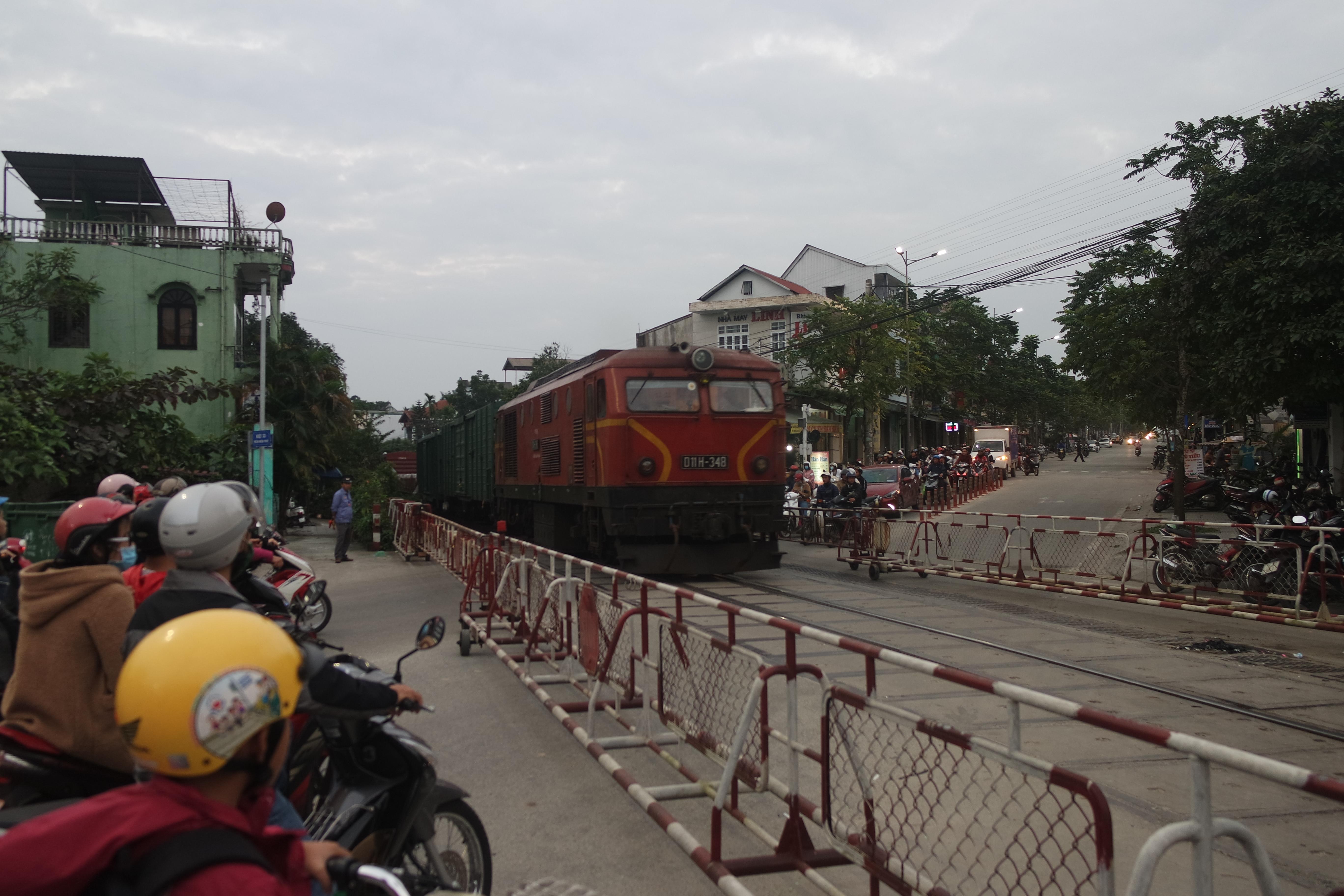 vietnam-poezd