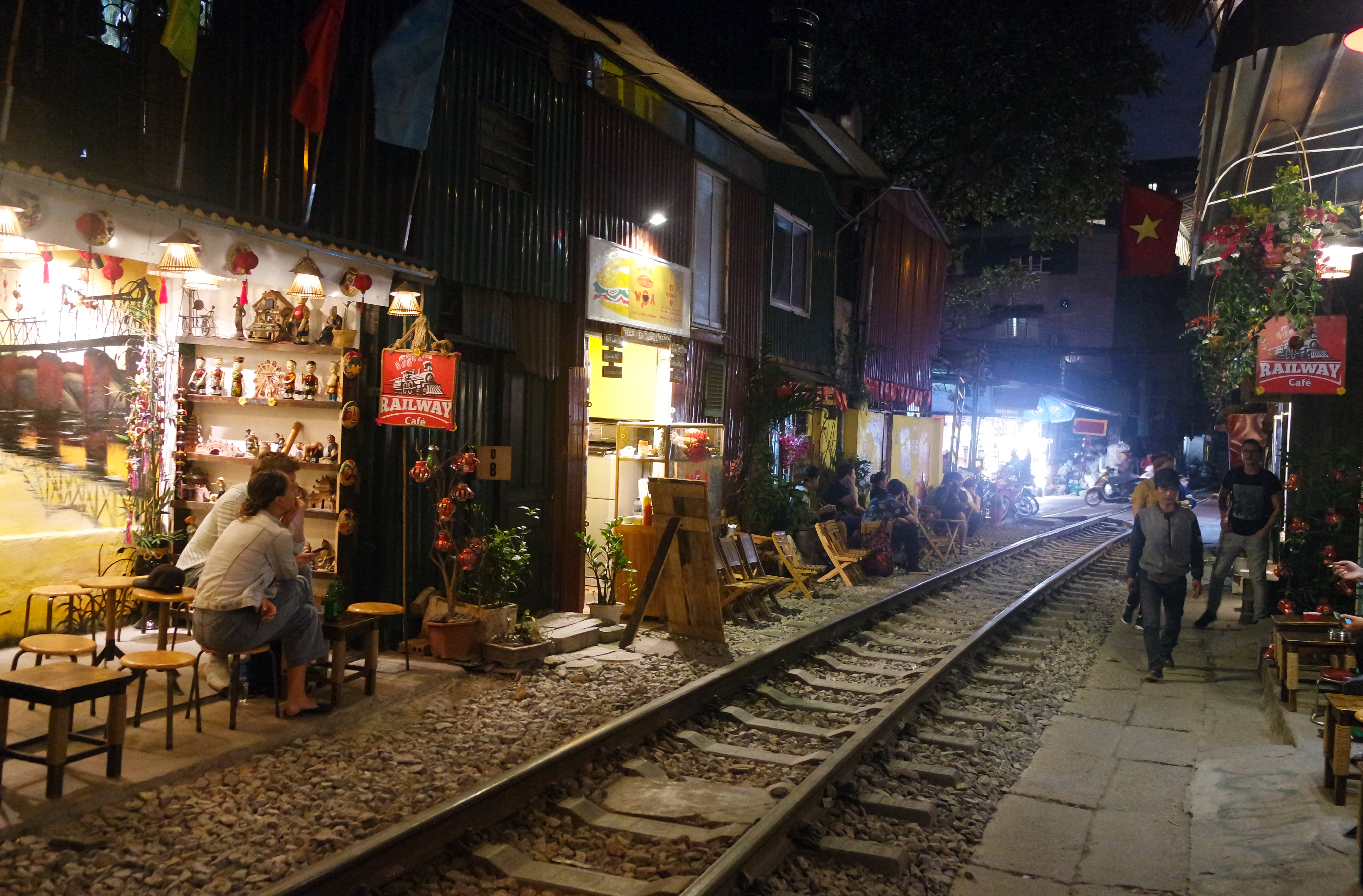 hanoy-poezd-vietnam