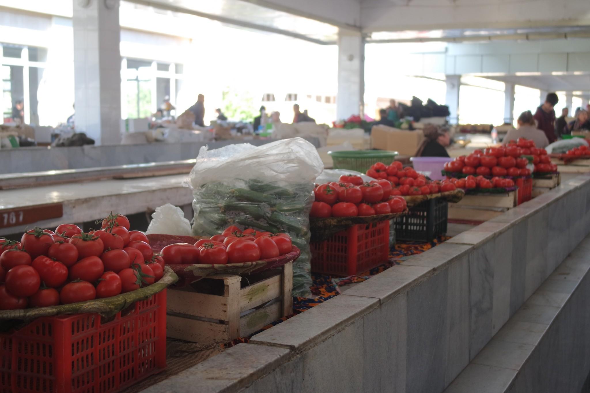 pomidori-na-bazare-samarkanda