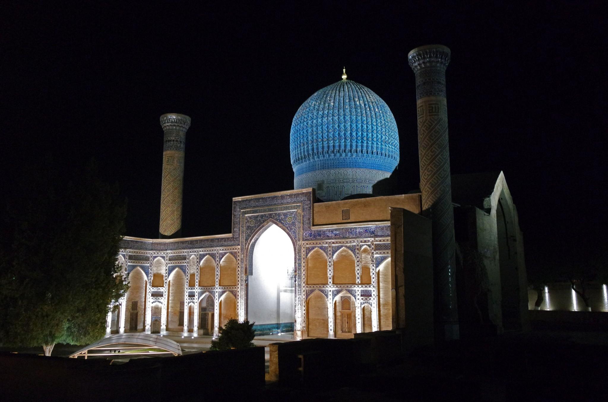 gur-emir-nochyu-samarkand