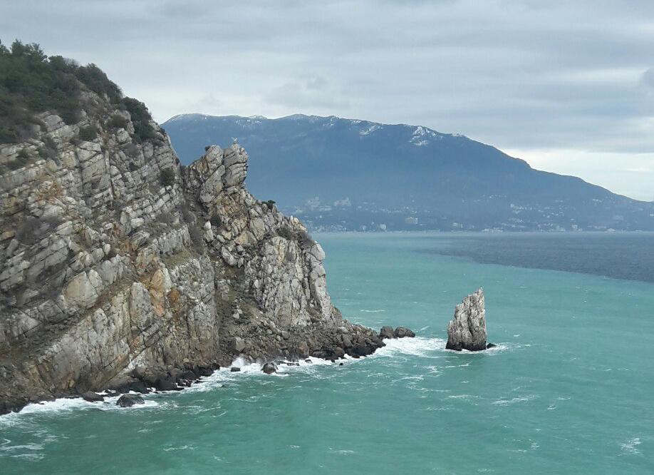 skali-v-chornom-more