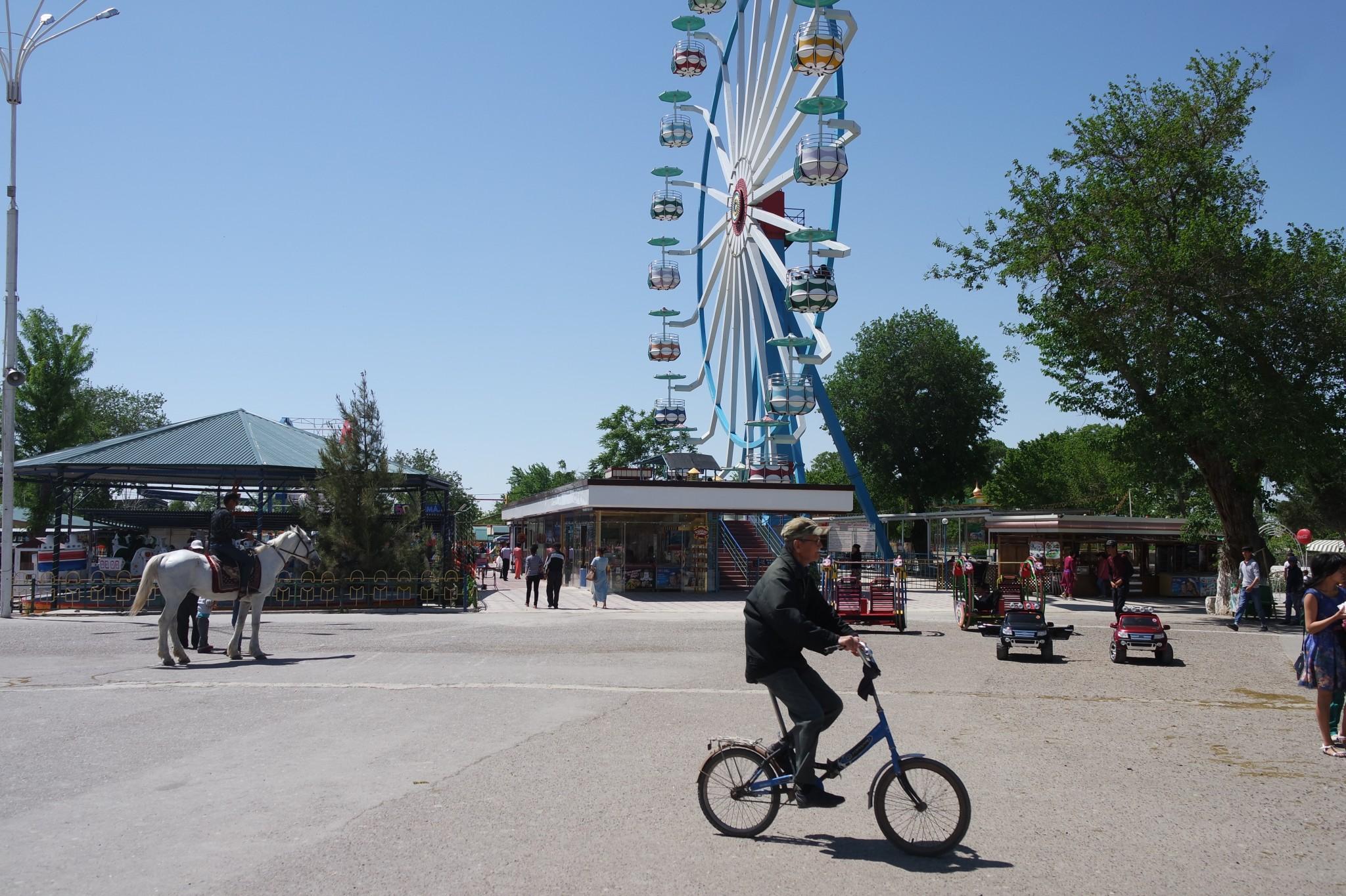 atrakcioni-park-samanidov-buhara