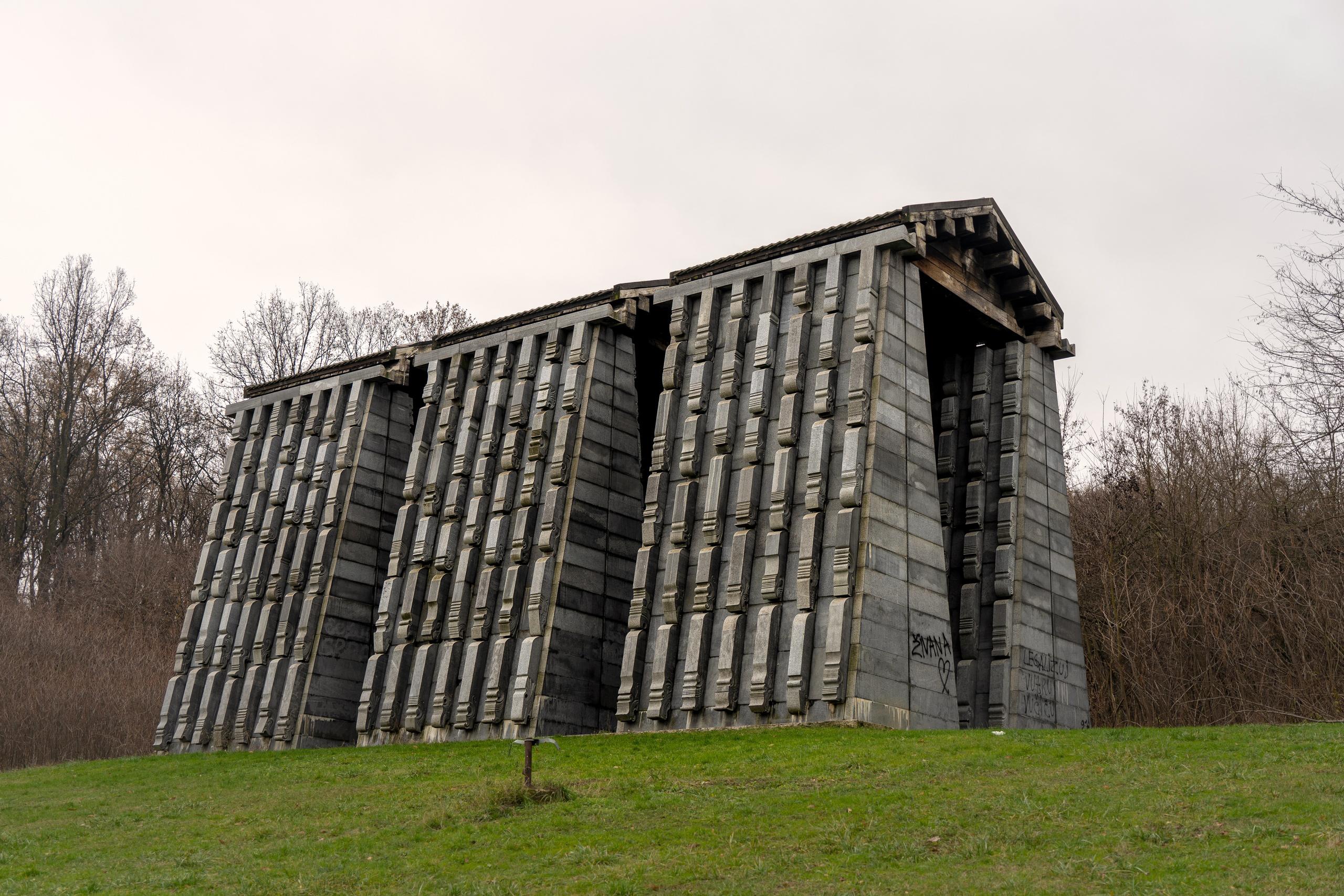 spomenik-serbia