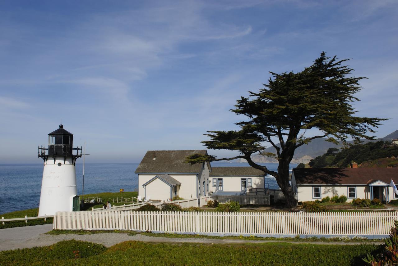 neobichnie-hosteli-HI-Point-Montara-Lighthouse