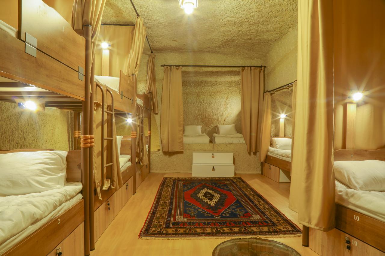 neobichnie-hosteli-Homestay-Cave-Hostel-turcia