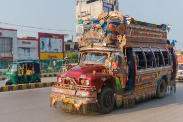 pakistan-tuning-avtobusi