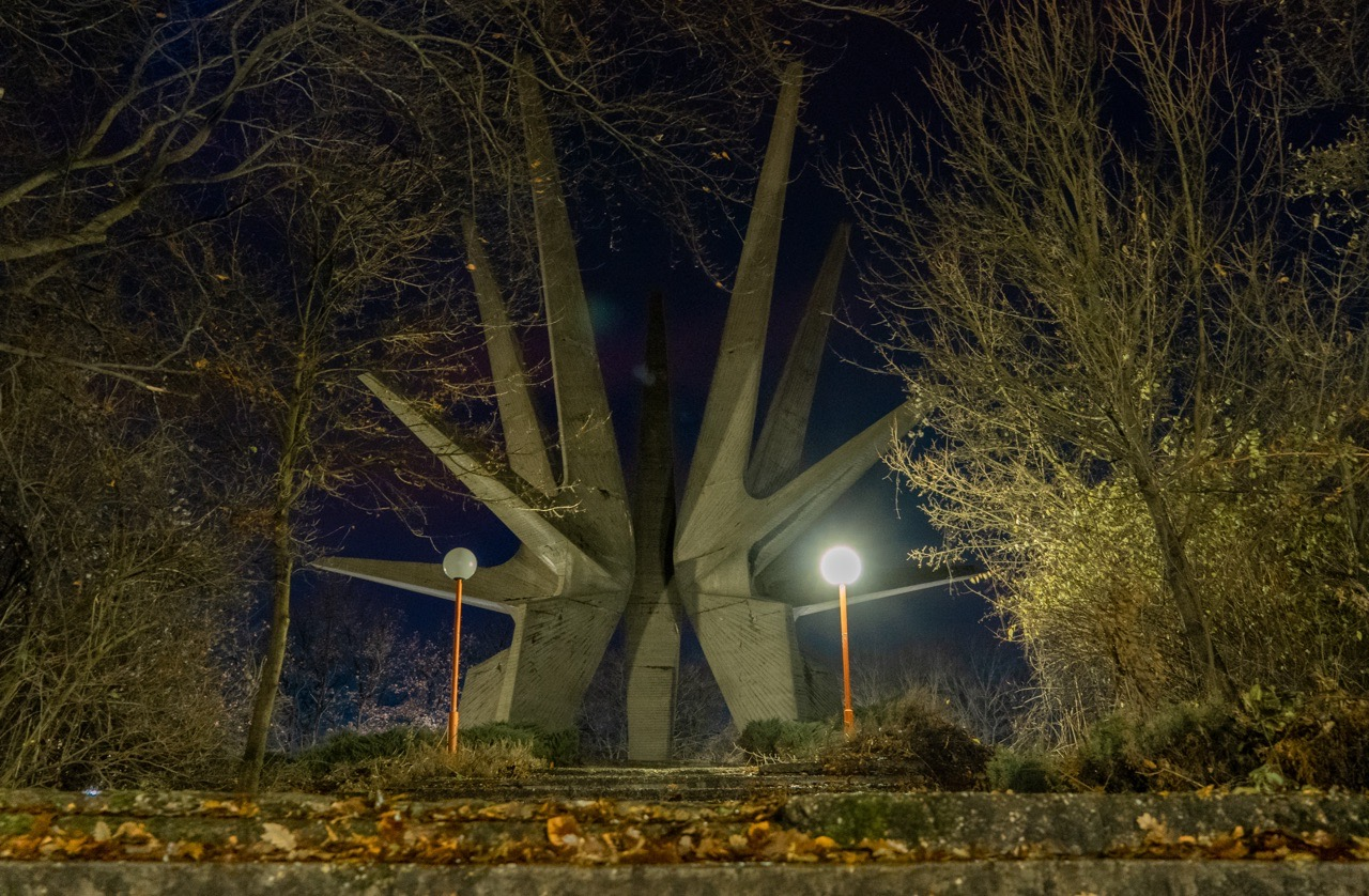 monument-kosmay-serbia