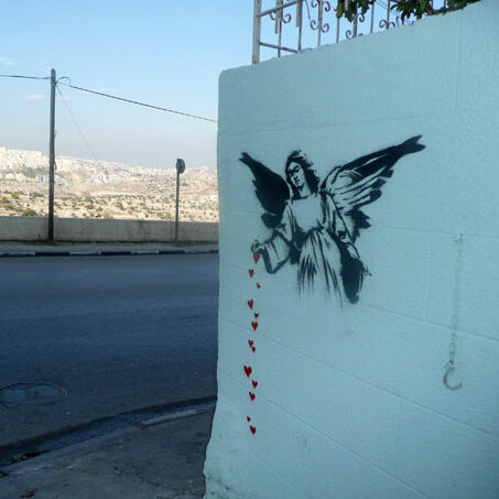 Angel-Sprinkling-Hearts