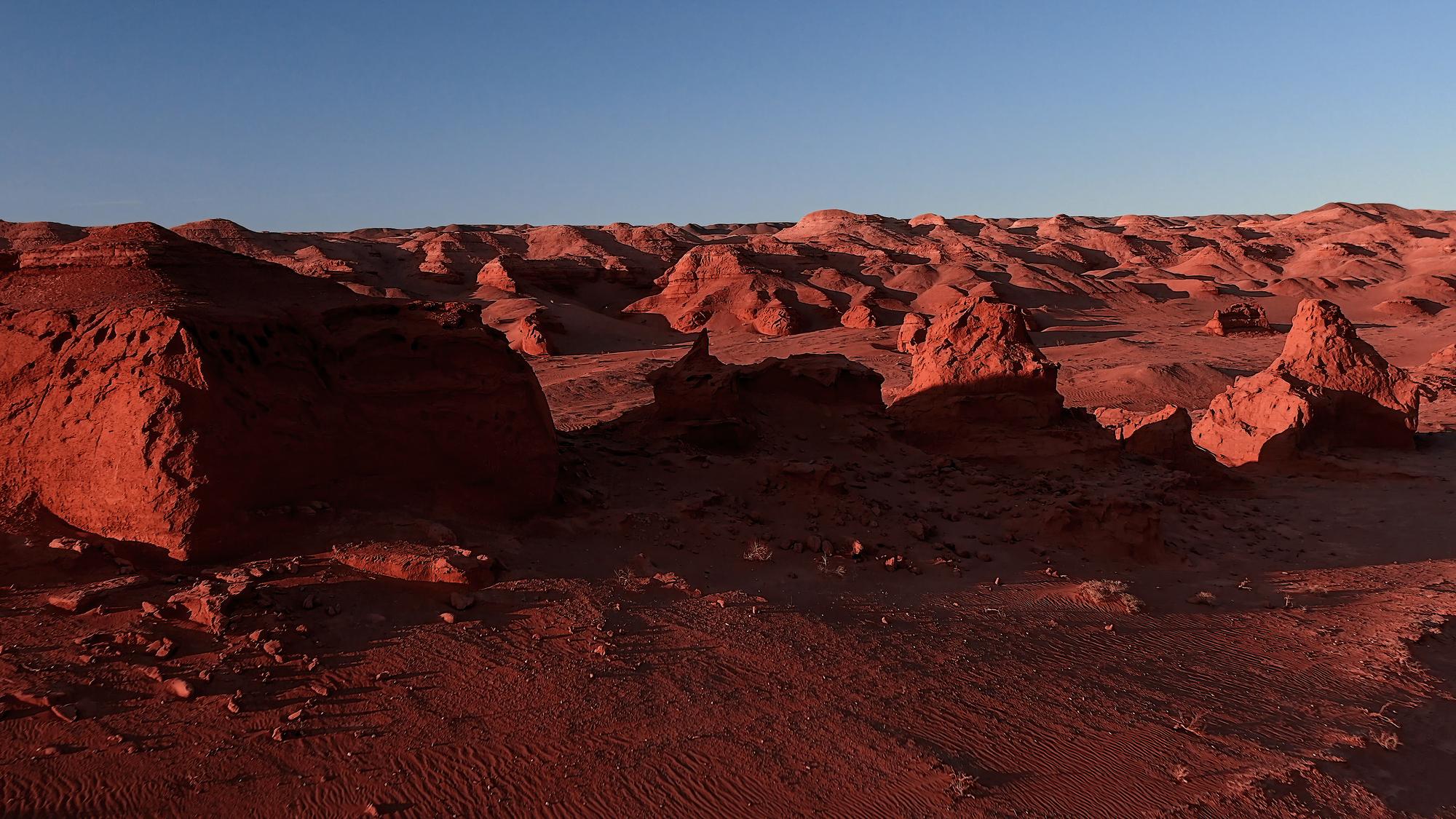 skali-v-pustine-gobi
