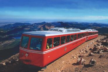 zubchataya-zheleznaya-doroga-Pikes-Peak