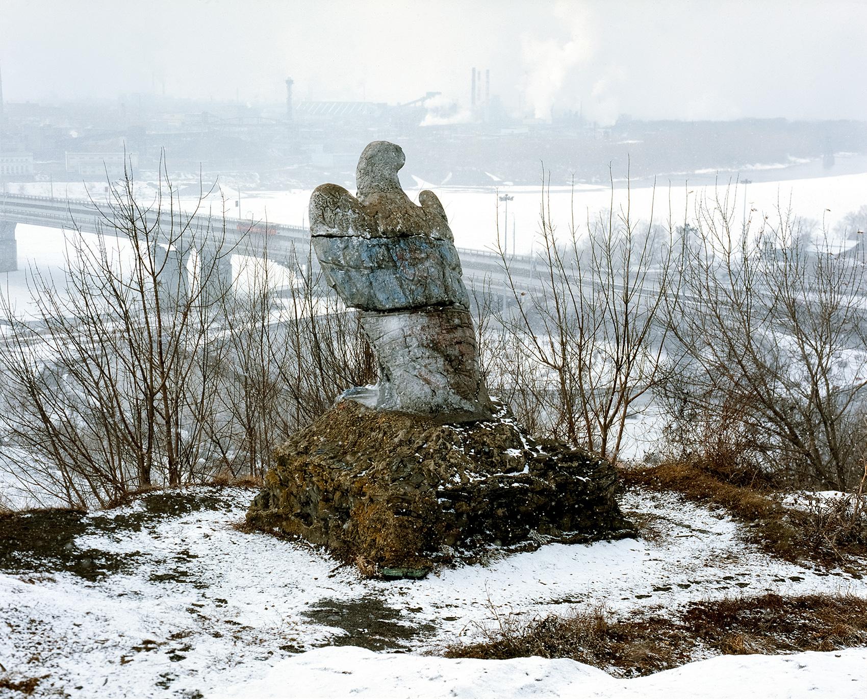 skulptura-orla-sosnoviy-bor